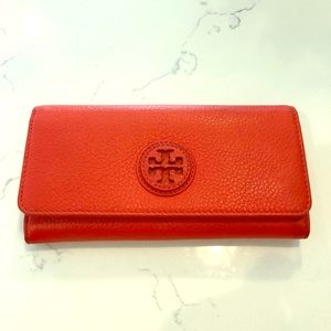 Excellent Condition Tory Burch wallet